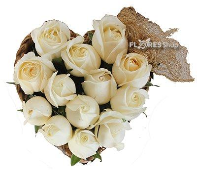 1220 Coração de Rosas Brancas