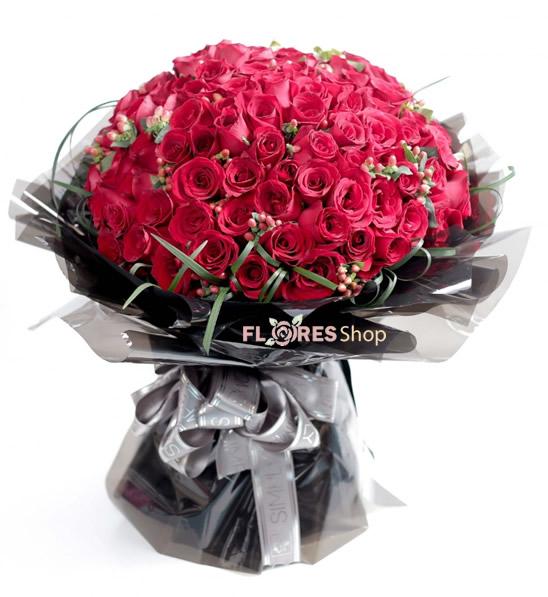 2228 Buquê Gigante de Rosas Vermelhas