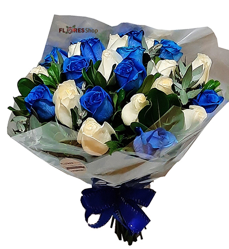 3866 Blue and white roses