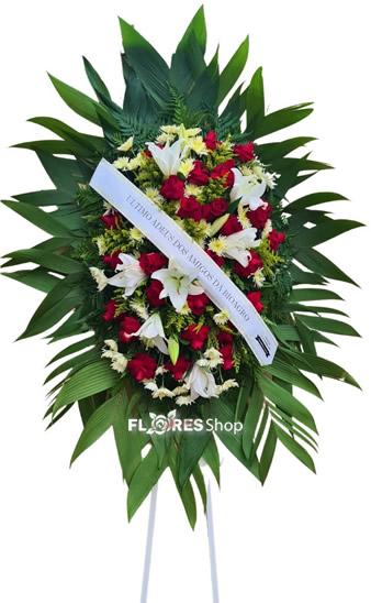 5076 Coroa de Rosas Vermelhas e Lírios Brancos