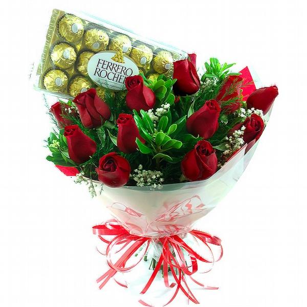 345 Buquê com 15 Rosas e Ferrero