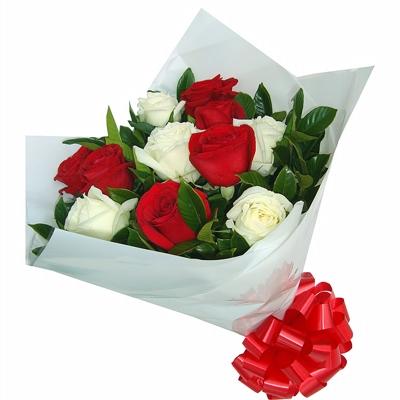 50 Buquê de Rosas Brancas e Vermelhas