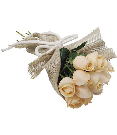 1798 Buquê de 12 Rosas Chás