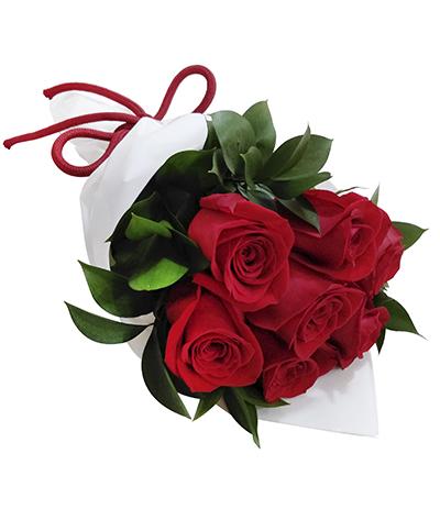 2288 Buquê de 7 Rosas Vermelhas Importadas envoltas em Celofane Branco