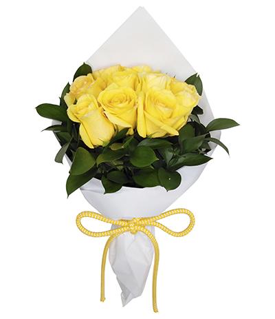 2690 Buquê de 10 Rosas Amarelas envoltas em Celofane Branco