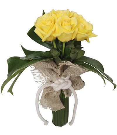 710 Buquê de 7 Rosas Amarelas finalizado com Costela de Adão e Juta